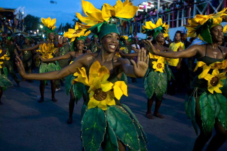 1 haiti_carnival_02