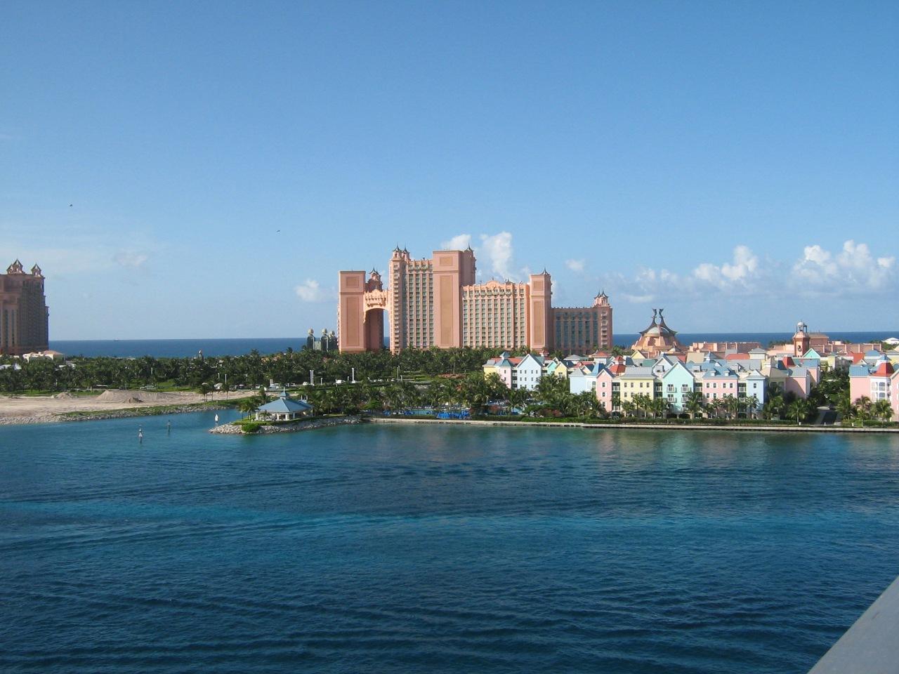 2-2-atlantis-paradise-island-bahamas