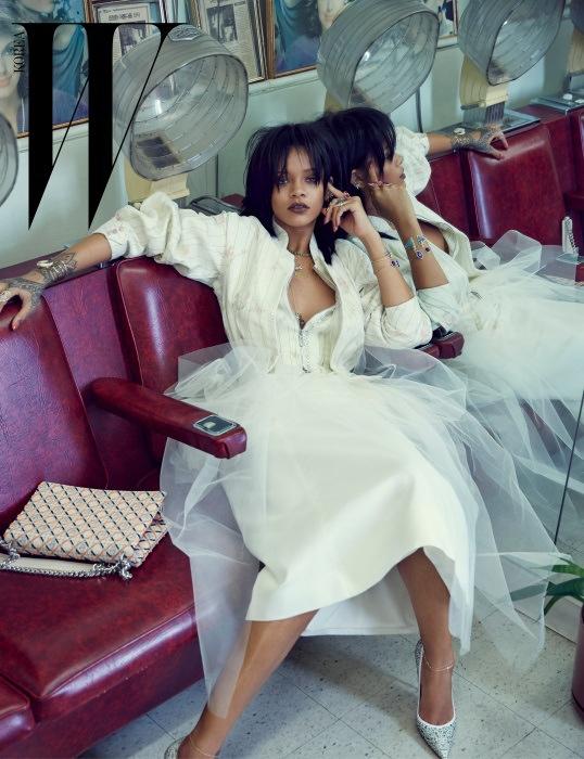 rihanna-dior-fashion-shoot-w-korea03
