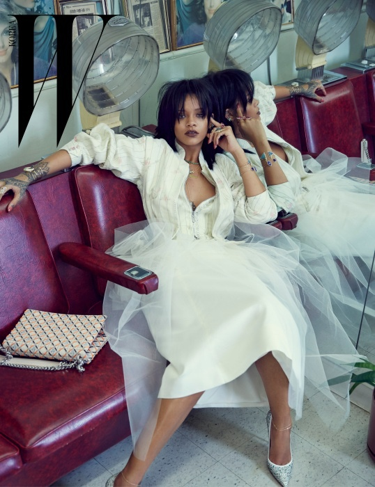 rihanna-dior-fashion-shoot-w-korea03