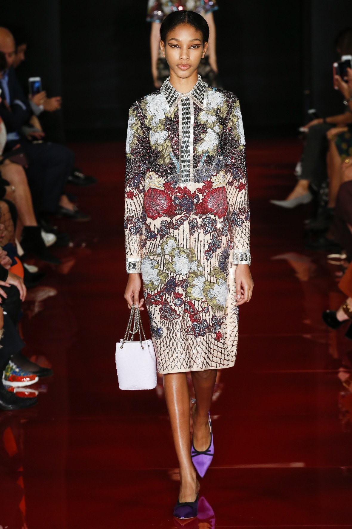 Naomi Chin Wing Rochas Paris SS18 Look 28 Photo Marcus Tondo Indigital Vogue online _ARC0457